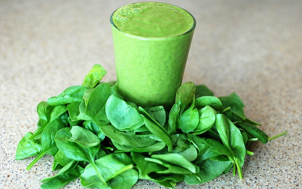 organic spinach smoothie