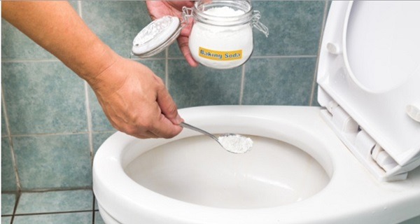 If Your Toilet Smells Like Sewer, Here's What You Should ...