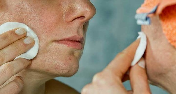 How To Close Your Pores On Your Face Naturally